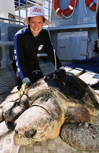 Leisel Jones and Jimmy the turtle